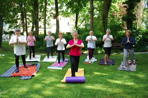 Foto zeigt die Interessengruppe Yoga für Ältere